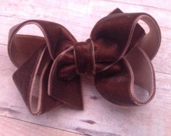 Brown velvet hair bow - 3 inch brown velvet bow, boutique bow, girls hair bows, velvet hair bows, girls velvet bows, brown bows