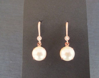 NEW Rose Gold and Pearl Earrings/Bridesmaid Jewelry/ Bridal Jewelry/ Bridesmaid Earrings/Pearl Earrings/ Rose Gold Earrings/Swarovski Pearls