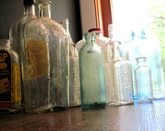 Vintage Apothecary Bottles, Antique Glass, Antique Medicine Bottles, Apothecary Jars, Old Glass Bottles, Blue Glass Bottles, Green Glass