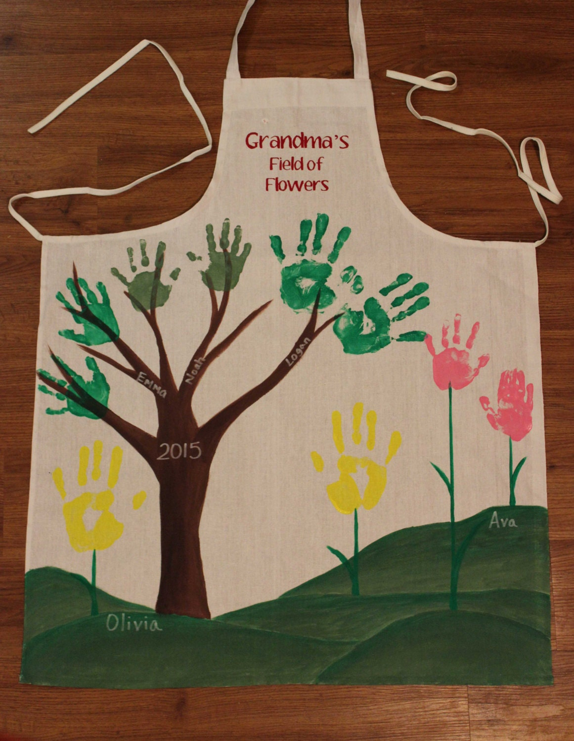 Mother 39 s day partial diy hand print apron for grandmother for What to get mom for mother s day diy