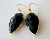 Arrow Head Black Onyx  Drop Earrings, Jet Black Gemstone Dangle, Arrowhead Onyx Jewelry, Dagger Earrings