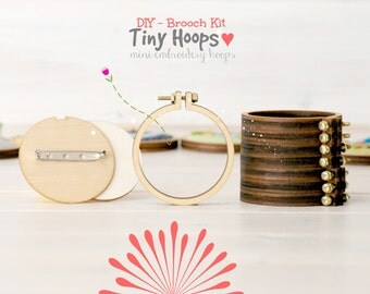 "DIY Brooch Kit - Mini Embroidery Hoop Frame with Brooch - 2.2""/5.5CM Hoop - Miniature Embroidery Hoops - Mini Hoop Frame - DIY Mini Brooch"
