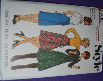 Vintage 70s Style 1700 Junior Teens Set of Skirts Sewing Pattern - UNCUT - Size 9/10 or Size 11/12 or Size 15/16