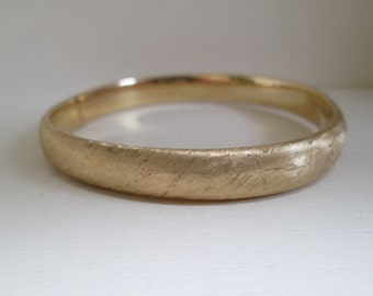 Gold Textured Bangle Bracelet 14K Yellow Gold