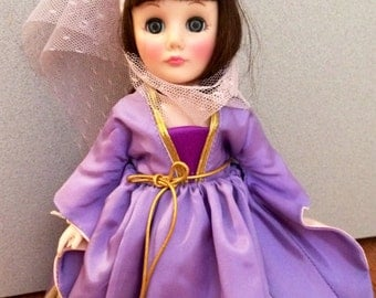 """Effanbee Vintage 11"""" Storybook MAID MARIAN #1166 Collectible Doll 1980'S - Stand Included"""