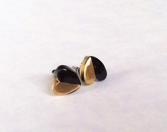 Black & gold tiny hearts titanium stud earrings polymer clay small stud earrings,titanium ear post small  stud hearts,gift for her,8 mm
