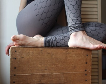 Organic Cotton Leggings - Screen printed with Black Scales