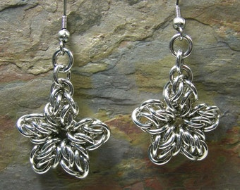 Lightweight Star Chainmaille Earrings