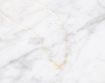 Small V Necklace - 1042