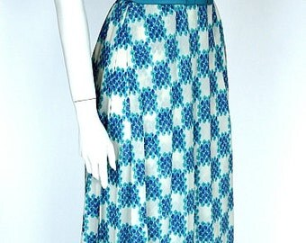 HUEBNER COUTURE/Stuttgart, Germany, 1980ies Vintage blue and white butterfly sleeves handkerchief skirt Couture Summer dress, ca. size S