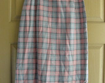Vintage 1960s pink and grey plaid skirt 60s small