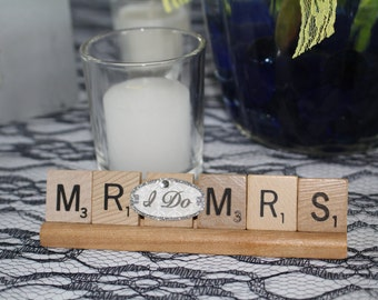Mr and Mrs Gift, Mr and Mrs, Wedding, Wedding decor, Wedding Gift, Wedding Ornament, Reception Decor, Present, Table Decor, Bridal Shower,