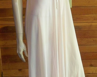 Vintage Lingerie 1970s OLGA SLEEPING PRETTY Pink Nightgown 9200 Size 32