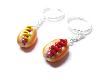Ketchup and Mustard Hotdog Key Chains, Polymer Clay Hotdogs, Best Friend Keychain Set, BFF Jewelry Hot Dog Charms, Fast Food Jewelry