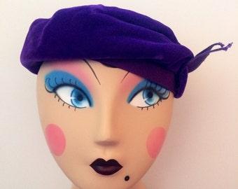 Purple velvet vintage beret / slouch hat, 1960/70s