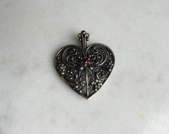 Filigree garnet heart pendant, sterling silver