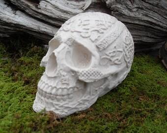 Skull Statue,Celtic Skull Statue,Skull Sculpture, Human Skull Sculpture, Gothic Skull, Medieval Skull Statue, Hand Cast Stone