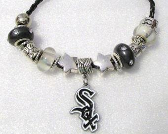 832 - White Sox Heart Bracelet
