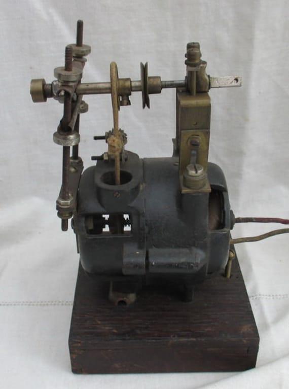 Antique electric motor meccano paris for Antique electric motor repair