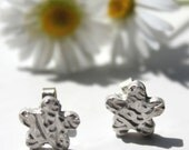 Silver flower studs, silver flower post studs, silver studs, silver earrings studs, tiny flower stud earrings