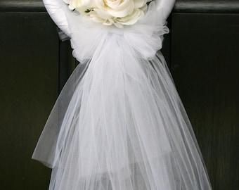 Wedding or bridal shower wreath