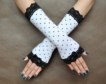 Elegant Lolita harajuku sweet Burlesque Glamour long GLOVES spotted, dotted, dots, white and black, lace with adorable bows