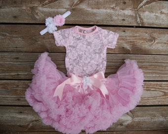 Baby girl birthday outfit. Tutu outfit. 1st birthday tutu. Pink First birthday tutu. Birthday tutu outfit. Cake smash. Pink petti skirt