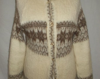 Vintage cardigan 80s Icelandic pure new wool knitted in Great Britain Cardigan size medium