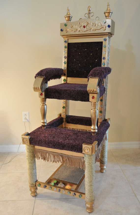 Royal Throne cat tower