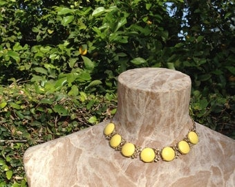 Vintage Choker Necklace Gold Metal Yellow Discs With Leaves Thermoset