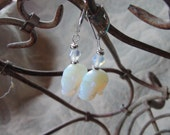 moonstone earrings - hipp...