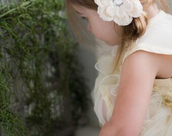 Cream Hair Clip Crochet Flower Hair Clip Crochet Flower Barrette Baby Girl Hair Clip Toddler Girl Communion Baptism Wedding Flower Girl