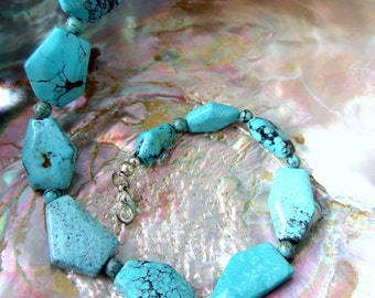 Polished geometric turquoise necklace