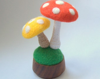 Mushroom Alice in Wonderland red yellow white dots beige woodland nursery decor Birthday party table wool decoration magic enchanted forest