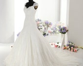 Gorgeous Aline Chantilly Lace Wedding Dress with Beautiful Straps