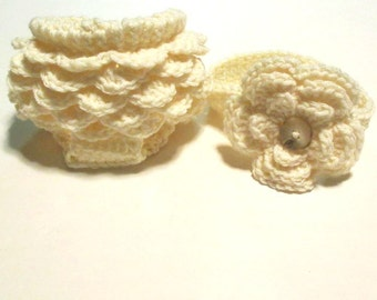 Crochet newborn ruffled diaper cover and headband set.  Photography prop for newborn baby girl.  Ready to ship.
