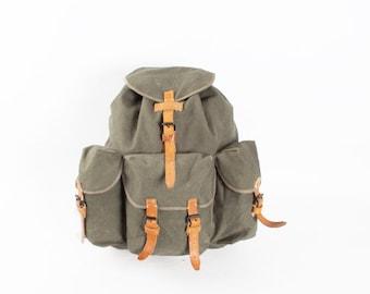 Vintage Grey Canvas Leather Backpack Rucksack / Big Military Army Backpack / Olive Green Canvas Shoulder Bag / Hiking 60s School Bag