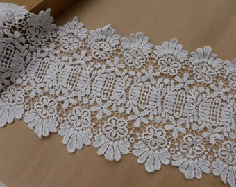 Off white scalloped trim cotton lace fabric vintage-style crochet lace trim by the yard