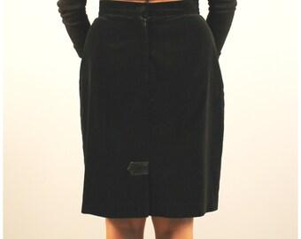 Vintage black velvet pencil skirt with front pleats 1990 90s medium