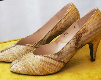 Snake Skin Heels // Snakeskin Pumps Reptile Skin Pumps 70's // Women's Size 6 Tan Brown // Saldana