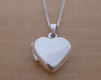 """925 Sterling Silver Polished 16 mm Diameter Love HEART Photo Locket Pendant on 16"""", 18"""" or 20"""" Silver Curb Chain"""