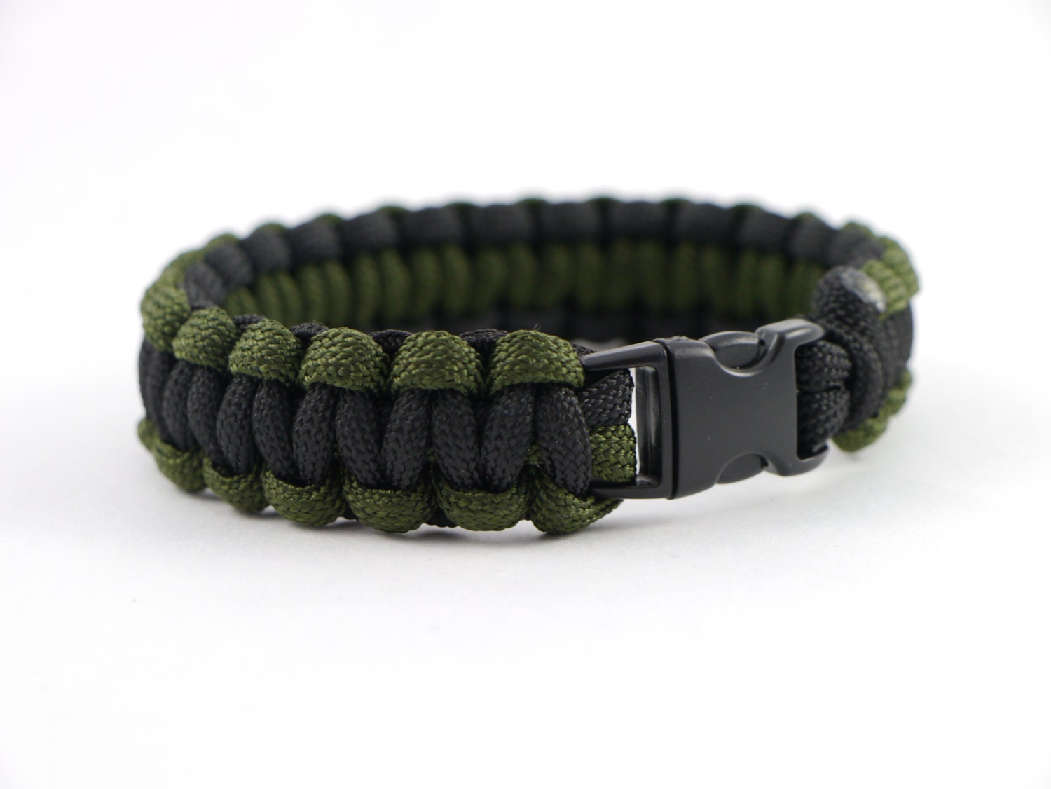 Types Of Paracord Bracelet Weaves Pictures To Pin On