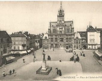 Place de Hotel de Ville, Compiegne, France,  circa 1910 Unused Postcard
