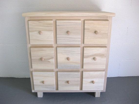 Commode multi tiroirs bois brut peindre par lartelierdeco for Peinture sur bois brut