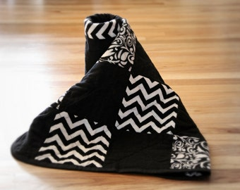 Black and White Baby Rag Quilt