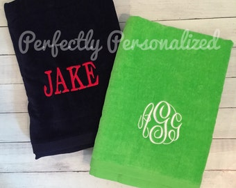 Personalized/Monogrammes Velour Beach Towel