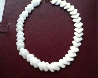 Beautiful plastic beads necklace antique vintage retro jewellery early plastic