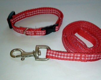 Dog collar and leash set in red gingham