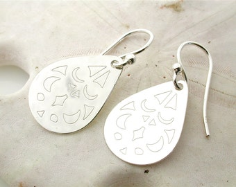 Silver Earrings - Silver Tear Drop Disk dangle earring