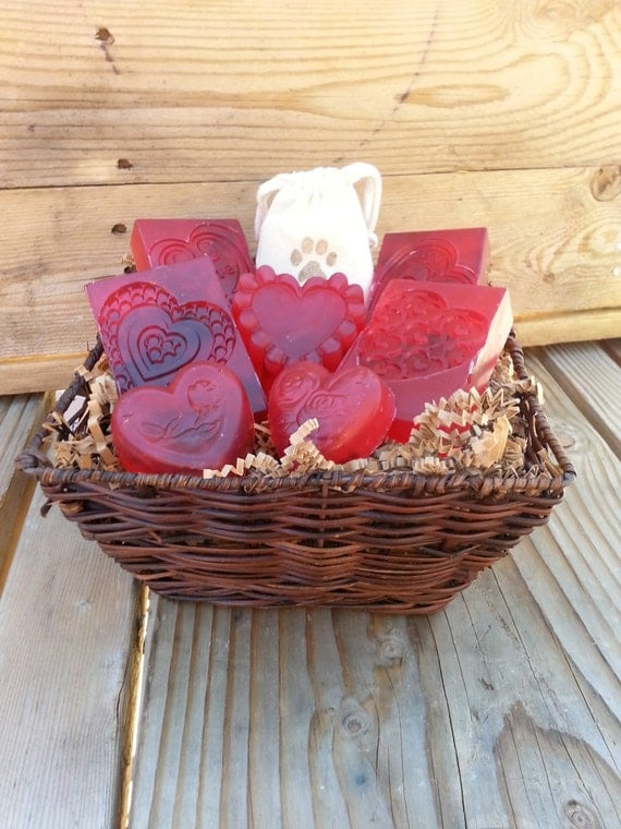 Handmade Soap Baskets : Soap gift baskets for women by